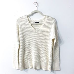 American Eagle Knit V Neck Sweater